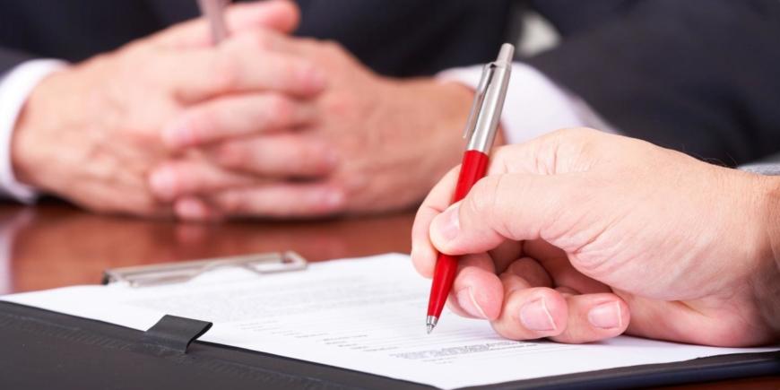 L'inosservanza degli obblighi informativi preventivi dell'intermediario può essere sanata dal comportamento successivo delle parti