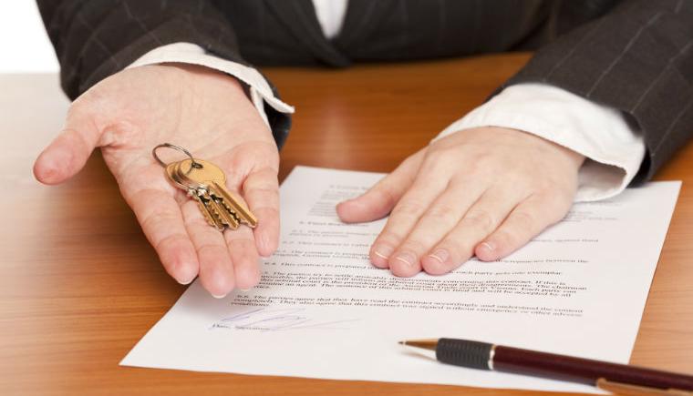 Locazione commerciale: mancato rilascio autorizzazioni amministrative e responsabilità del locatore